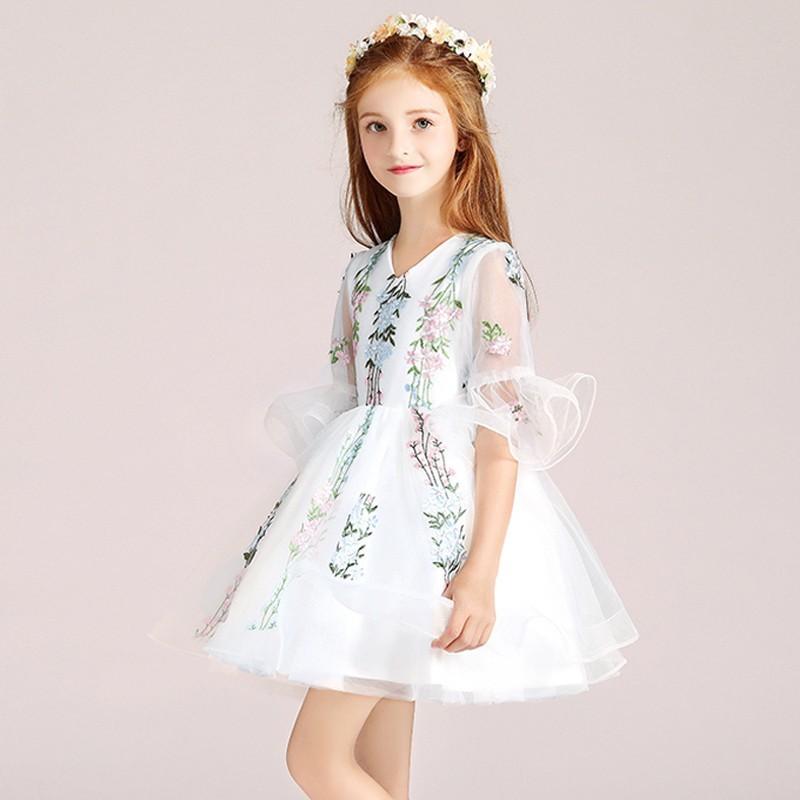176492889b0 Robe blanche de cérémonie fille demoiselle d honneur - PartyLook
